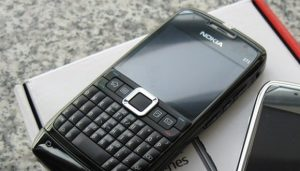2018 model Nokia E71 telefon